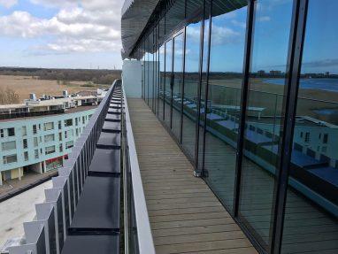 Renoveeritud terrassi parapett.