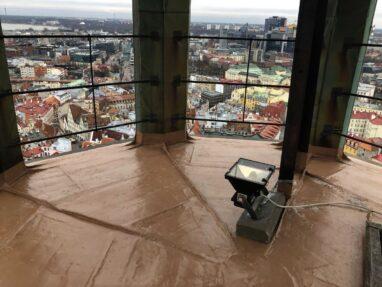 Niguliste torni valtsplekk katus kaetud vedelplastiga