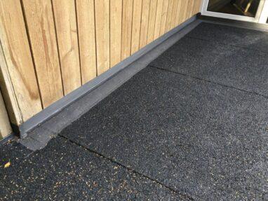 Terrassi põranda SBS katusekate ja vedelplast ülespöörded.